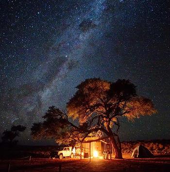 Las estrellas y los leopardos de la oscura Namibrand