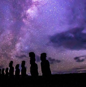 Los moais, guardianes milenarios de las estrellas en la Isla de Pascua