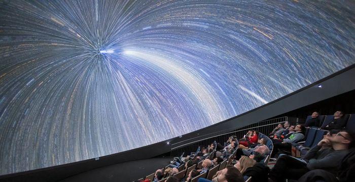 En mitad del espacio gracias al planetario de ESO Supernova