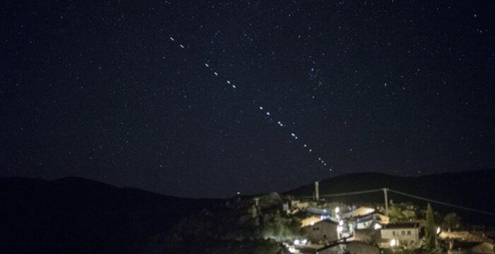 No eran ovnis, sino los satélites Starlink de Space X