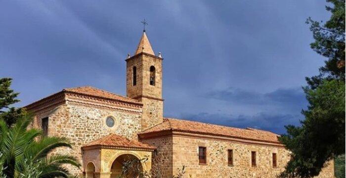 Silencio y estrellas en El Monasterio El Olivar