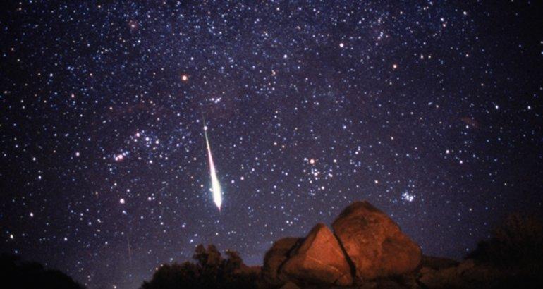 Una guía de las mejores lluvias de estrellas de 12222: cuándo, dónde y cómo fotografiarlas